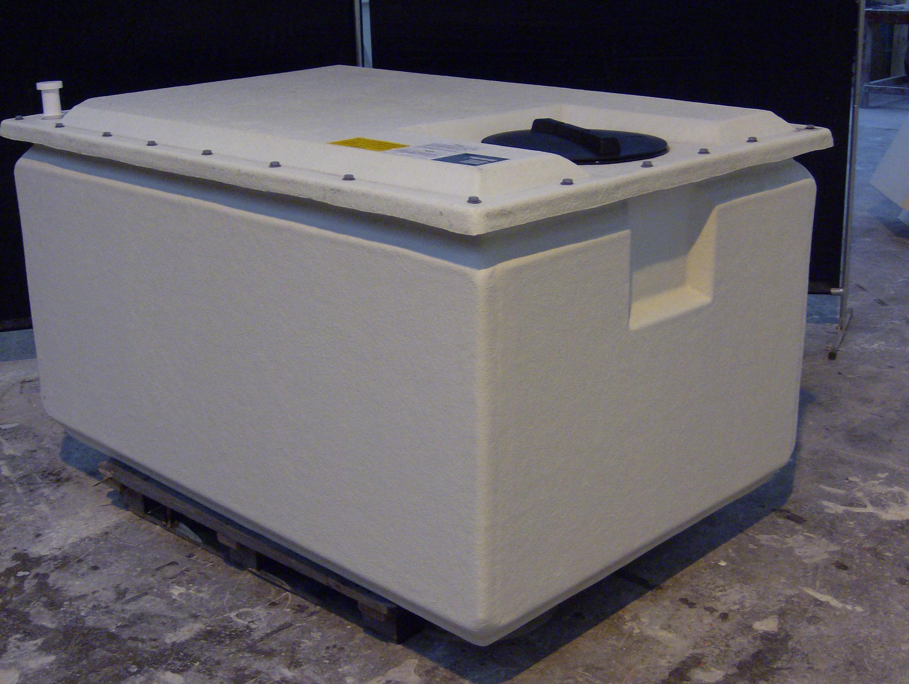 one piece water storage tank