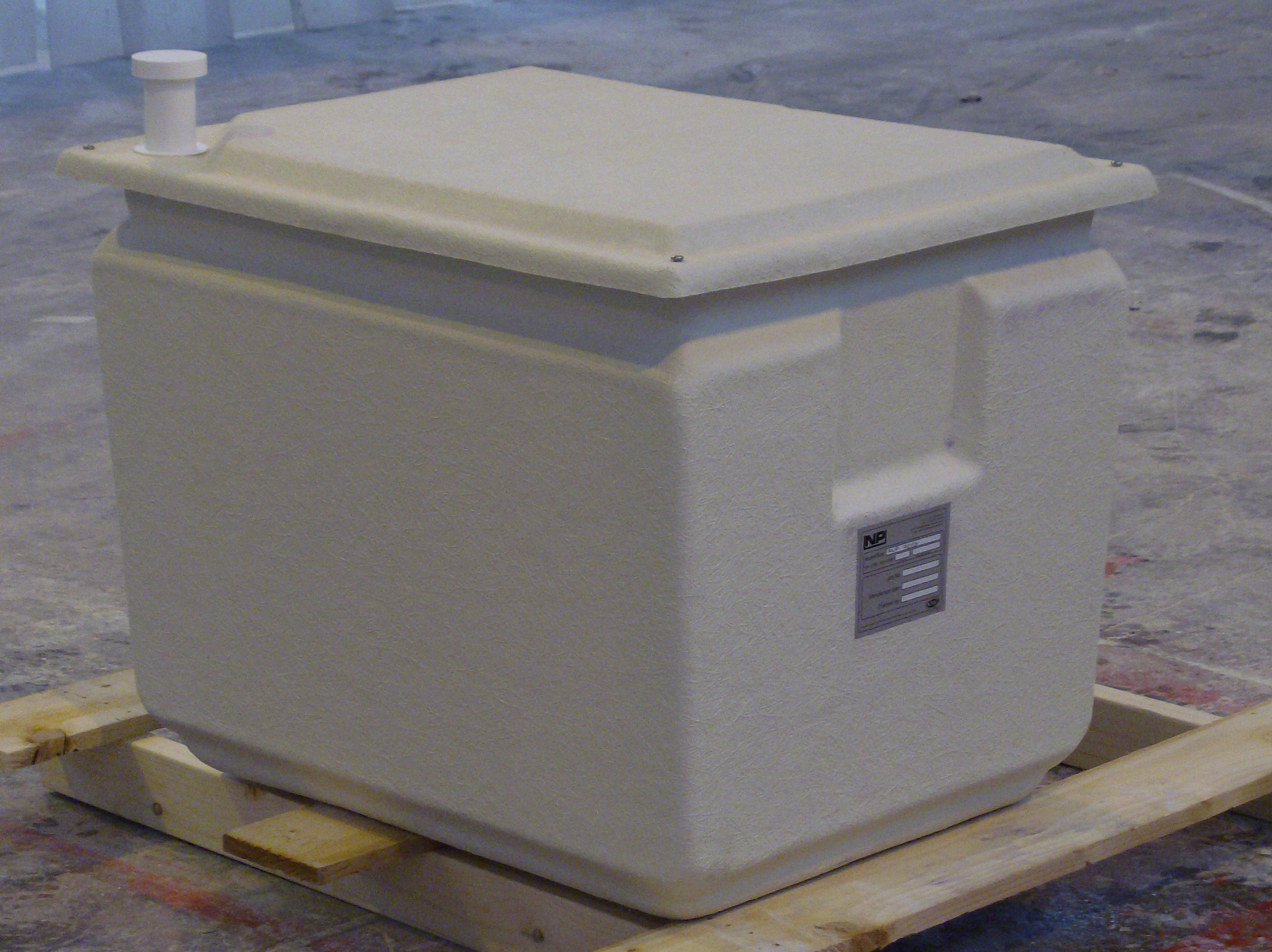 one piece water storage tank